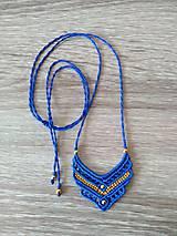 Modrý makramé prívesok, náhrdelník