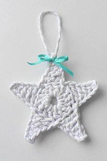 Dekorácie - Závesné dekorácie/háčkované vianočné hviezdičky 4 (Závesné dekorácie/háčkované vianočné hviezdičky 4 - biela) - 11292982_