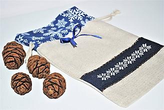 Úžitkový textil - Mikulášske/vianočné vrecúško snehové vločky - 11290836_