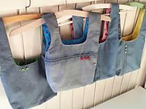 Iné tašky - Taška na obed z recyklovanej džínsoviny (Džínsová/Zelená podšívka s bielymi bodkami) - 11294629_