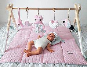 Detské doplnky - Drevená hrazdička pre bábätko - 11296778_