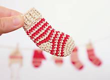 Dekorácie - Červené ponožky - jednotlivo (Vianočné ozdoby) - 11296132_