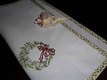 Úžitkový textil - Obrúsok vyšívaný- vianočná tématika. - 11294775_