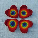 Odznaky/Brošne - ...plstená brošňa - srdce s dúhou... - 11300980_