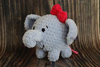 Hračky - Háčkovaný sloník Filoménka - 11300456_