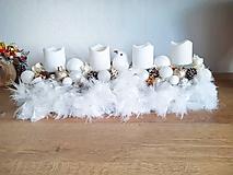 Dekorácie - zlato bielo béžový luxusný adventný svietnik s pierkami - 11300802_