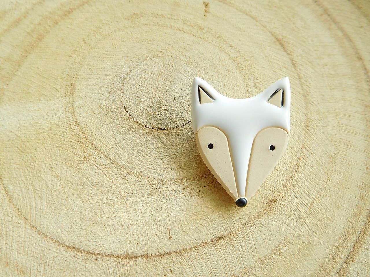 Polárna líška brošňa