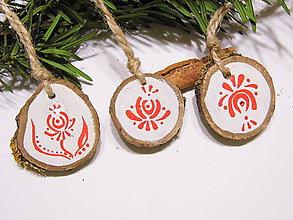 Dekorácie - Drevené vianočné ozdoby prírodné - maľované - sada - 11300987_