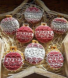 Dekorácie - Guľky/červené na stromček - 11298984_