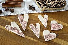 Dekorácie - Keramická ozdoba Srdiečko s čipkou  - 11298618_