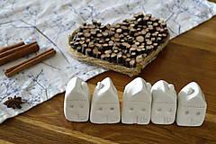 Dekorácie - Biely keramický domček - 11298726_