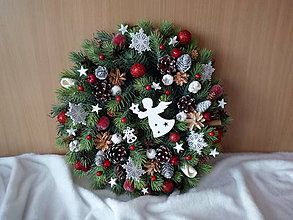 Dekorácie - Vianočný veniec z umelej čečiny - 11299000_