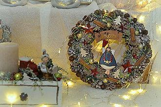 Dekorácie - Vianočný veniec Vitajte - 11301667_