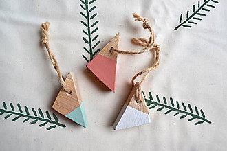 Dekorácie - Drevene vianočne dekorácie - 11300894_