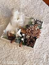 Dekorácie - *Hnedo biely adventný svietnik na podnose 25cm - 11298562_