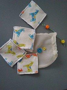 Úžitkový textil - Sada odličovacích štvorcov *Koníky II* - 11299297_