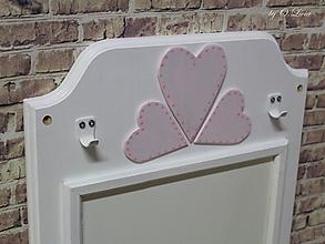 Tabuľky - Magnetická tabuľa - Srdiečka ružové - 11303034_