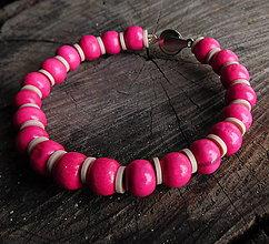 Náramky - drevený náramok v cyklámenovo ružovej - 11302750_