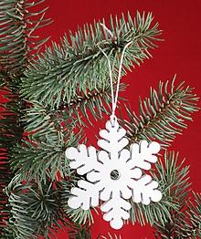 Dekorácie - Snehová vločka - ozdoba na vianočný stromček - 11303854_