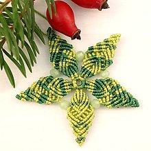 """Dekorácie - Makramé vianočné ozdoby """"Hviezdičky"""" (5 x 5 cm - Zelená) - 11303191_"""
