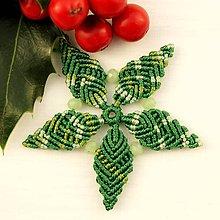 """Dekorácie - Makramé vianočné ozdoby """"Hviezdičky"""" (5 x 5 cm - Zelená) - 11303193_"""