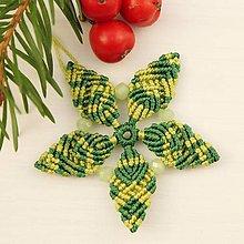 """Dekorácie - Makramé vianočné ozdoby """"Hviezdičky"""" (5 x 5 cm - Zelená) - 11303194_"""