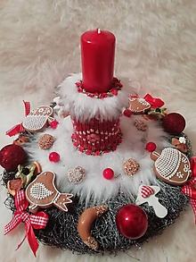 Dekorácie - Vianočný veniec rozprávkovo medovníkovy - 11308463_