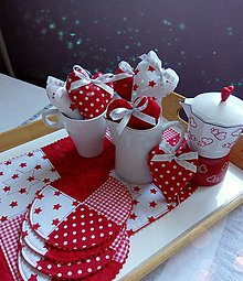 Úžitkový textil - Vianočná sada - obrus, podšálky, srdiečka - 11307875_