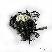 Odznaky/Brošne - Gotická brošňa s lebkou - 11308898_