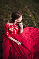 Šaty - Bordové vyšívané šaty - 11308730_