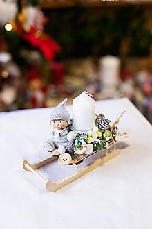 Dekorácie - Vianoce - svietnik - biele sánky - 11309293_