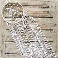 Dekorácie - Biely lapač snov Macrame Dream s pierkom - 11306433_