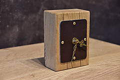 Hodiny - Drevené stojacé hodiny v tvare budíka - 11306526_