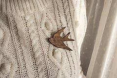 Odznaky/Brošne - Drevená brošňa vtáčik - 11307989_