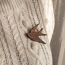 Odznaky/Brošne - Drevená brošňa vtáčik - 11307974_