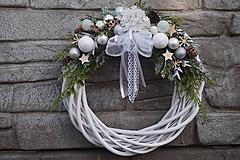 Dekorácie - Vianočný venček bielo - strieborný - 11308639_