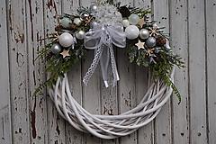 Dekorácie - Vianočný venček bielo - strieborný - 11308654_
