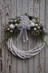 Dekorácie - Vianočný venček bielo - strieborný - 11308657_