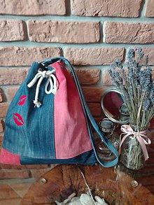 Iné tašky - Rifľová taška na rameno s výšivkou - 11307970_