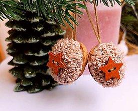 Dekorácie - Vianočné orechy ružové s hviezdičkou - 11307617_