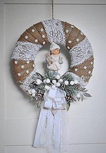 Dekorácie - Vianočno-zimný veniec v štýle Provance - 11313434_