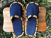 Obuv - Modé papuče s oranžovým pásikom - 11310989_