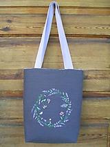 Vyšívaná ľanová taška
