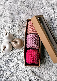 Dekorácie - Sada háčkovaných minikošíkov v krabici (variant 3) - 11317148_