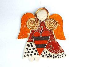 Dekorácie - Anjelik na zavesenie, veľký so srdiečkom č.38 - 11317325_