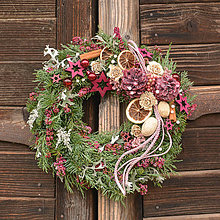 Dekorácie - Vianočný venček zo živej čečiny - 11320205_