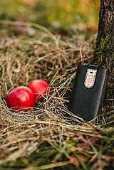 Kožené puzdro na telefón Folk čierne