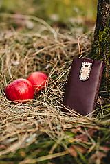 Na mobil - Kožené puzdro na telefón Folk bordové - 11315992_