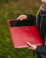 Na notebook - Kožené puzdro na tablet/notebook Folk červené - srdce (na iPad Pro 10.5 (drievko s modrou niťou)) - 11316170_
