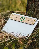 Na notebook - Kožené puzdro na tablet/notebook Folk biele - srdce (na MacBook 12 (drievko s zelenou niťou)) - 11316189_